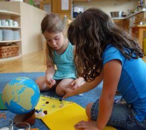 Geburtstagsvorbereitung im Montessori Kindergarten Frasdorf