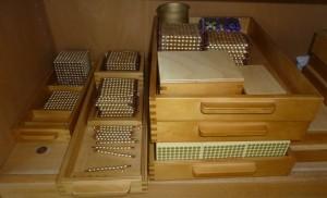 Mathematikmaterial - Perlen im Montessori Kindergarten Frasdorf