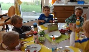 gesunde Brotzeit im Montessori Kindergarten Frasdorf